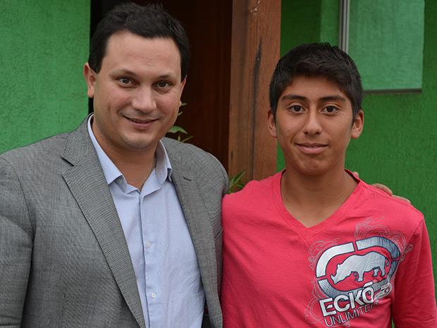 Apoyando a la mejor raqueta juvenil de Chile, Garizon Abarzúa