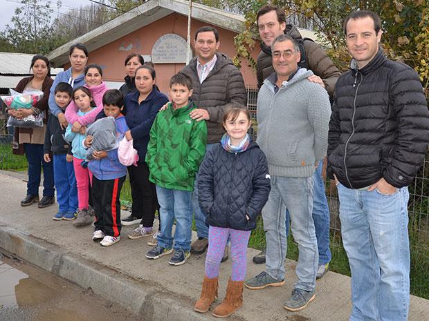 Arropando en este invierno a vecinos de Villa Juan Riquelme