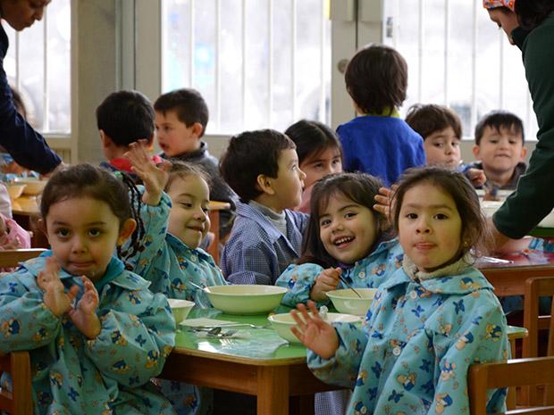 A toda m quina marcha jard n infantil de villa los for Jardin infantil nubesol villa alemana
